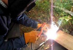 Резка металла электродуговой сваркой